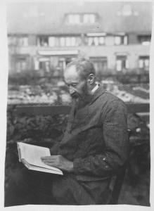 afbeelding-7.9-Lansen-lezen-in-de-ploegstraat-1925